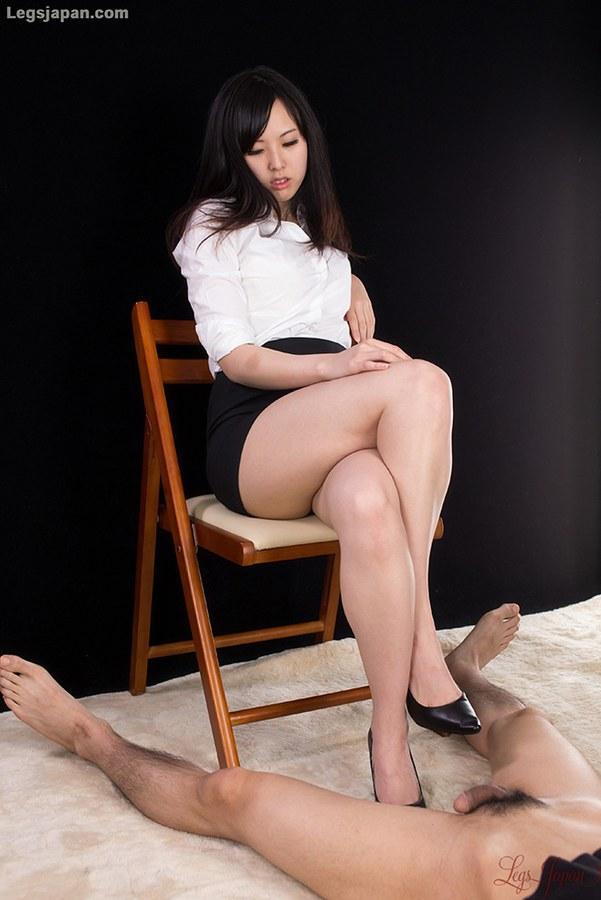 Feet in pantyhose pics
